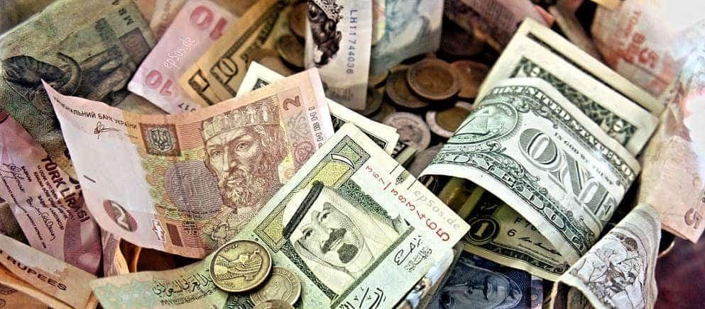 Tradycyjne kantory wymiany walut czy internetowe?