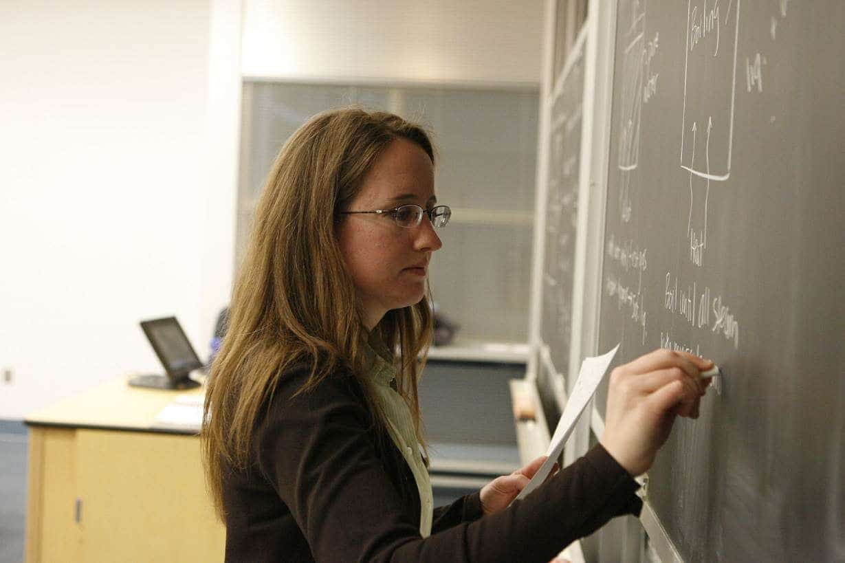 Nauczyciele żądają podwyżki [i dlaczego powinni ją dostać?]