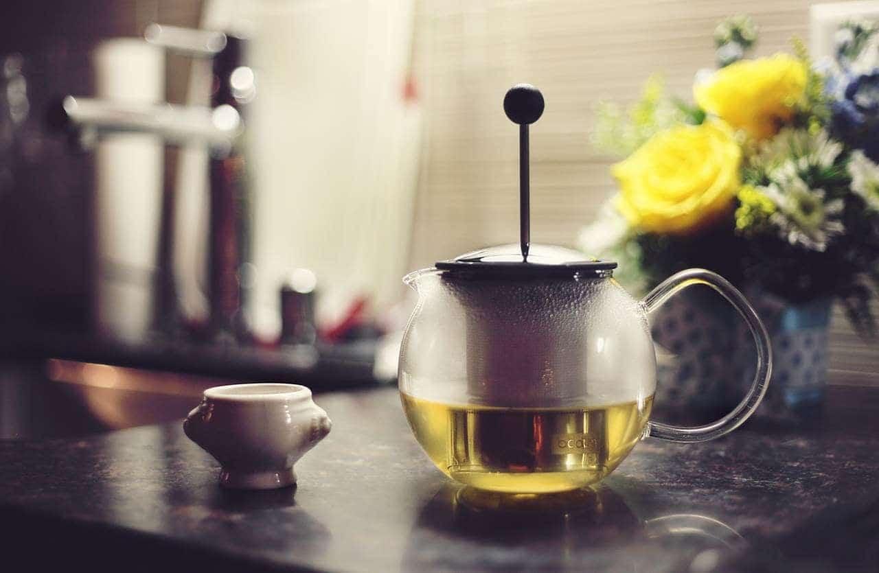 19 tanich, domowych sposobów na przeziębienie